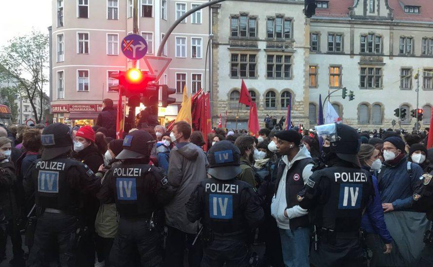 20.000 bei Revolutionärem 1. Mai in Berlin – RRG-Polizei löst Demo gewaltsam auf