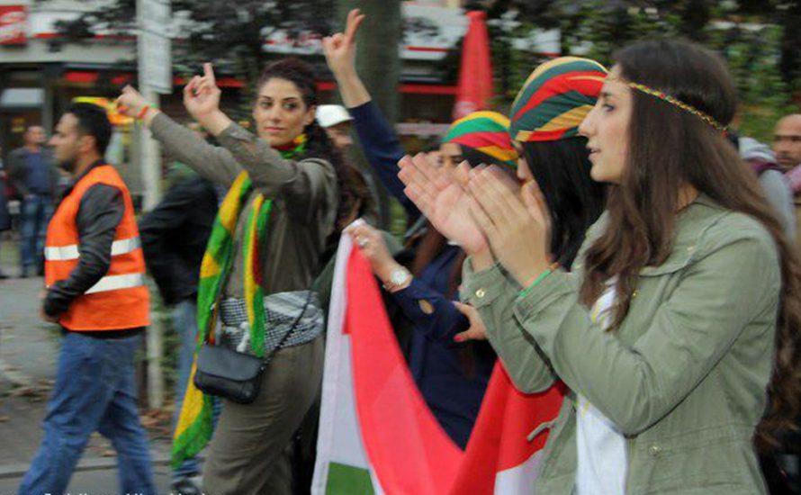 Die kurdische Jugend beim bundesweiten Schul- und Unistreik