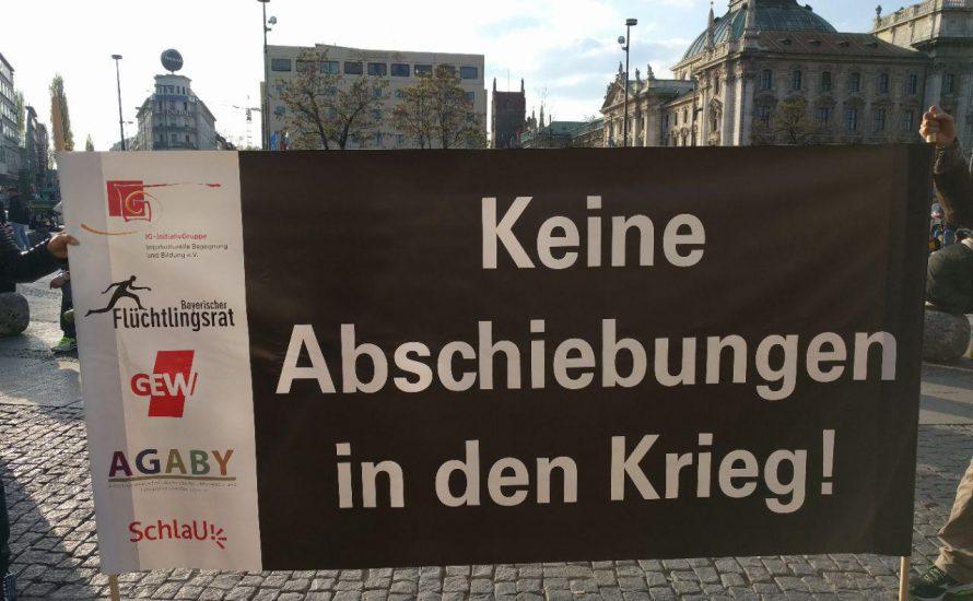 Jede Woche ein Münchner Platz: Gegen Afghanistan-Abschiebungen, für Ausbildungen [mit Videos]