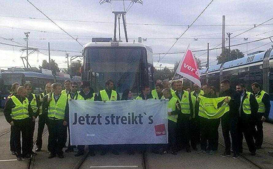 Warnstreik der Bus- und Tramfahrer*innen in München