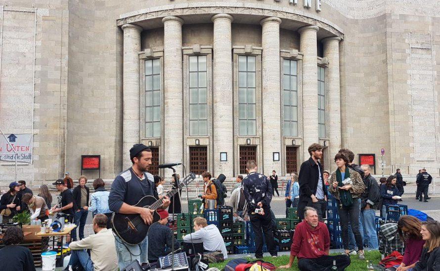 Besetzung statt Arbeiter*innenselbstkontrolle - was ging schief an der Volksbühne?
