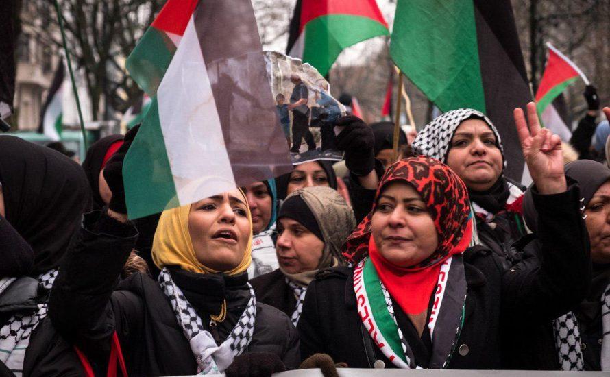 Trotz Hetze: Hunderte demonstrieren für die Rechte der Palästinenser*innen [mit Fotos und Video]
