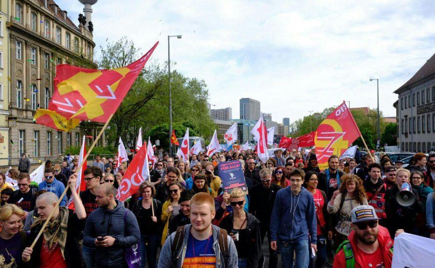 [Fotogalerie] 1. Mai in Berlin im Zeichen der Gegenwehr gegen prekäre Beschäftigung
