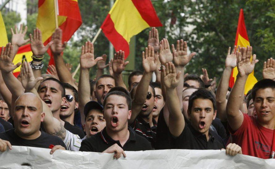 Regierungsparteien und Faschist*innen demonstrieren in Barcelona für die Einheit Spaniens [mit Bildern]