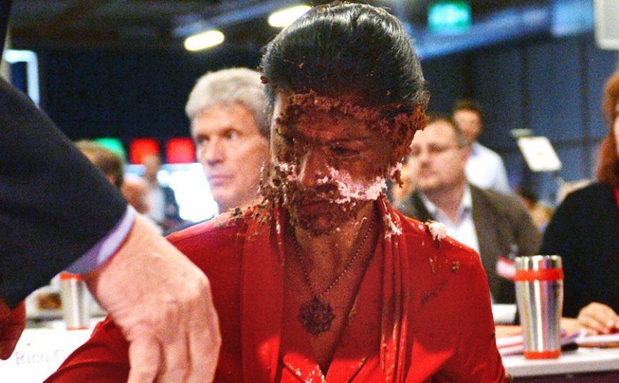 Tortenwurf gegen Wagenknecht: Sowas kommt von sowas