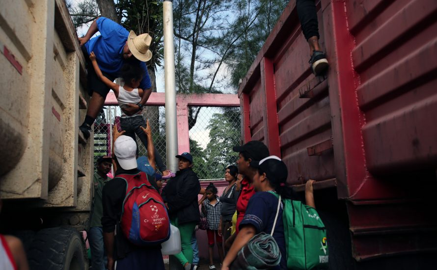 Repression gegen Migrant:innen aus Honduras: Biden setzt Trumps rassistische Migrationspolitik fort