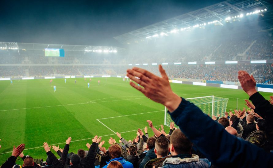 14.000 Fans bei der EM und trotzdem Online-Uni und  Party-Verbot