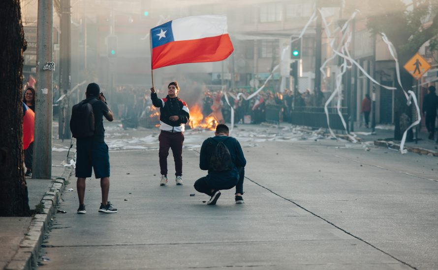 Chile: Polizei ermordet Straßenkünstler – Proteste folgen