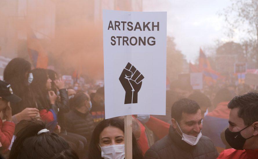 Besatzungskrieg um Arzach: Armenien unter Paschinjan kapituliert