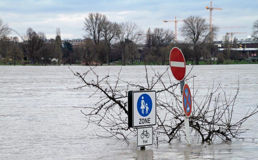 Laschet & RWE: Ihr seid für die Flut mit verantwortlich