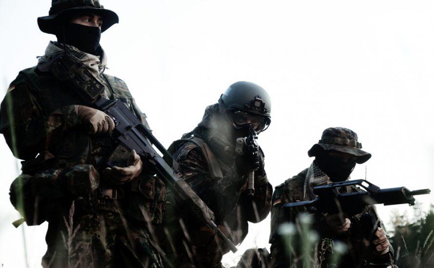 Razzia bei rechtsextremem Soldaten: Sprengstoff und Manifest zur Machtübernahme beschlagnahmt