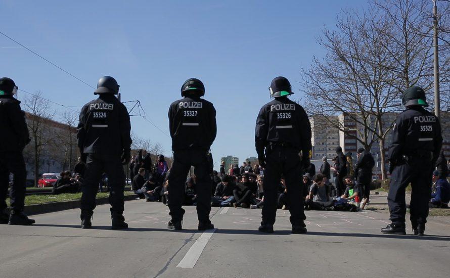 Geflüchtetenunterkünfte in Hellersdorf vor Nazis beschützt