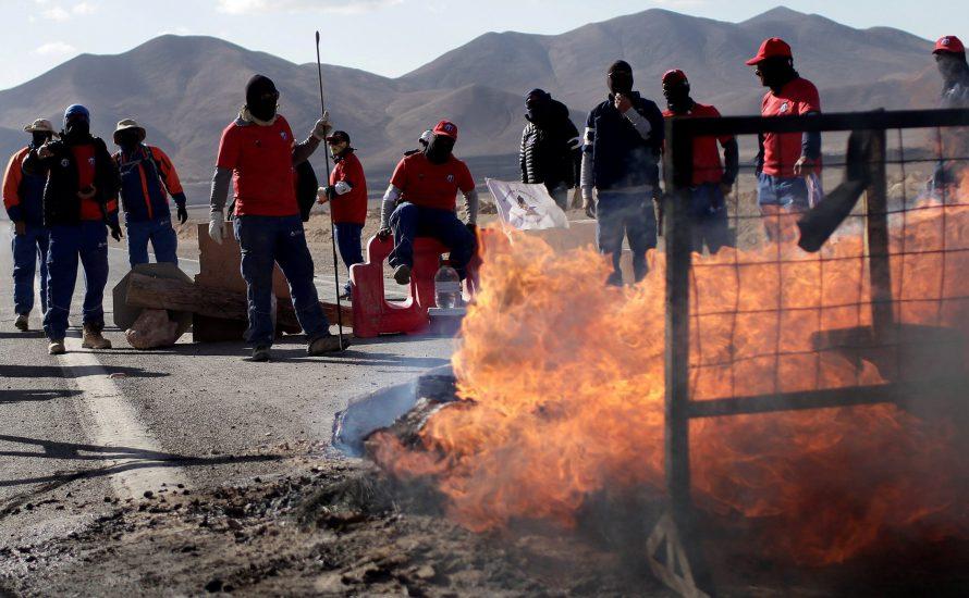 Auf 3.000 Meter Höhe: Größte Kupfermine der Welt im Streik