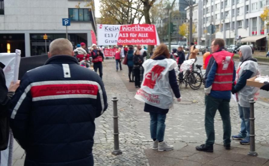 Arbeiter*innen erinnern die SPD an ihre Versprechen