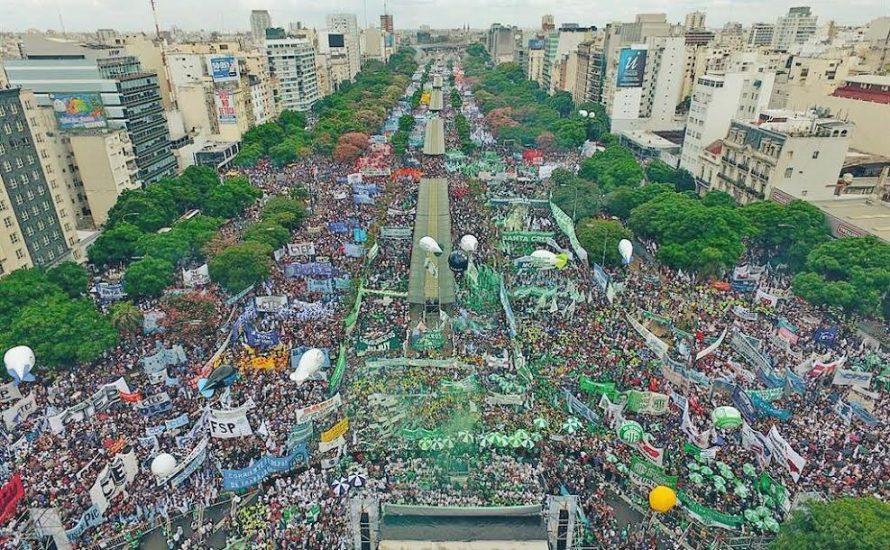 Argentinien: Hunderttausende protestieren gegen Kürzungen und Entlassungen