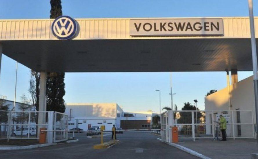 Zwei tote und 170 positiv getestete Arbeiter*innen bei Volkswagen in Argentinien
