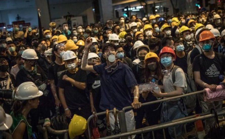 Xi Jinping weicht vor dem Druck der Straße zurück – eine Premiere